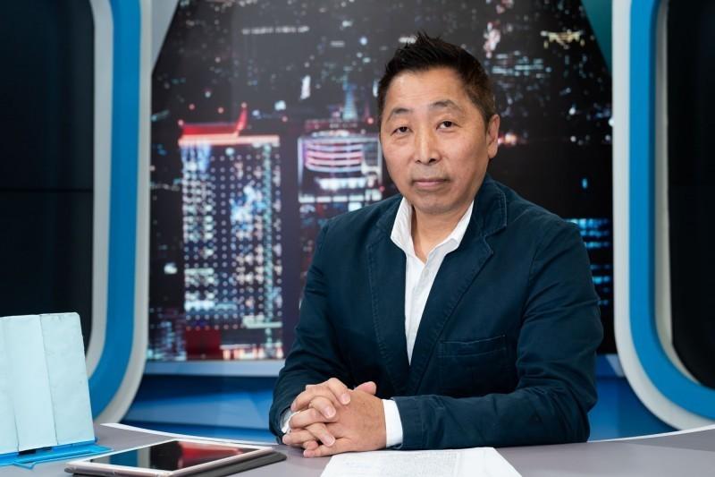 唐湘龍在廣播節目中,以普悠瑪翻覆是過彎車速太快為例,質疑韓國瑜過彎速度這麼快,暗喻「韓流」成失速列車,他並批評韓國瑜想從高雄市長的位子上「逃走」,這是很糟的一件事。(資料照,TVBS提供)