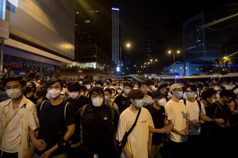 香港百萬人上街抗議逃犯條例,時代力量黨團呼籲政府嚴肅應對中國統戰意圖。(彭博)