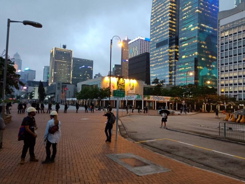 今日的「反送中」抗議行動,約在晚間7點左右遭到香港警方清場。(圖擷取自Instagram_carey011677)