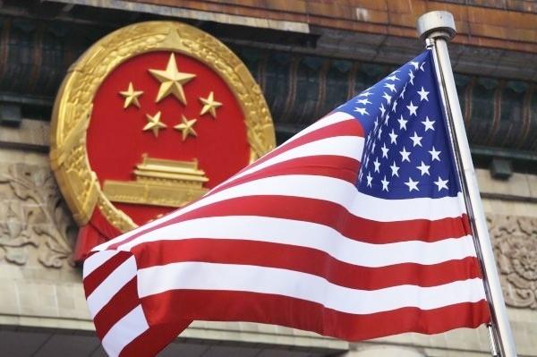有民眾向美國白宮發動請願提案,要求政府撤銷支持《引渡條例》的中國、香港官員的美國公民身分與簽證。(美聯社)