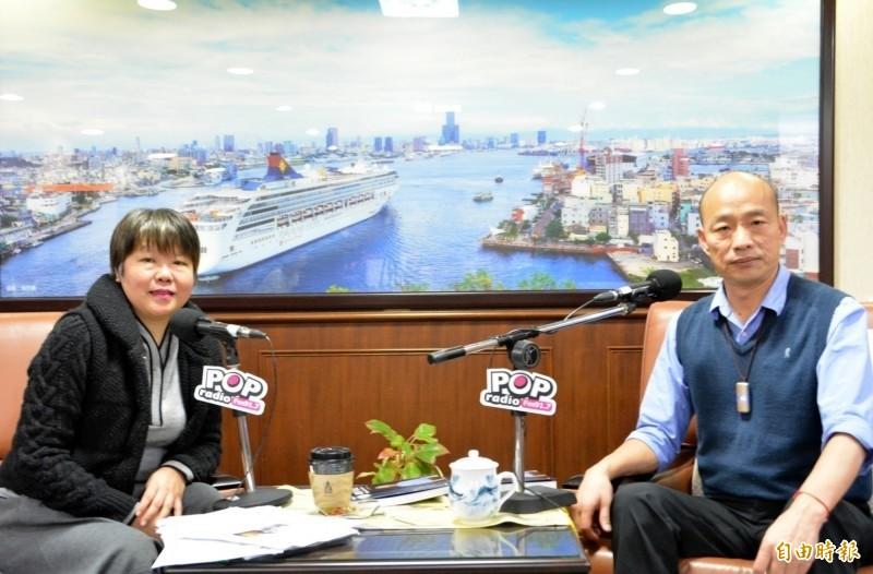 黃光芹(左)在臉書預告將推出《你所不知道的韓國瑜》系列。(資料照)