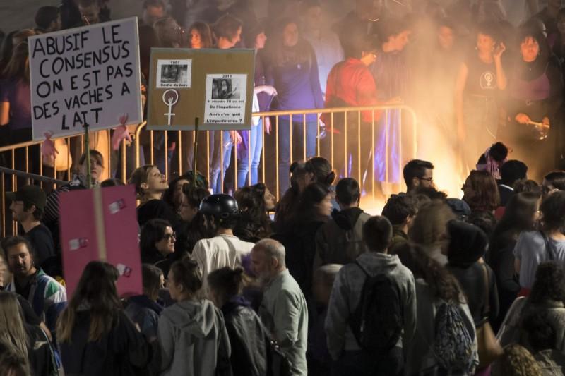 包括數十萬瑞士婦女的民眾14日走上街頭示威,抗議性別不平等。(美聯社)