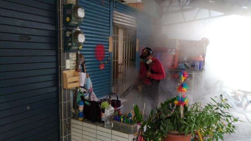 高雄市長韓國瑜與行政院長蘇貞昌因登革熱防治補助款一事,雙方隔空交火。(高雄市衛生局提供)