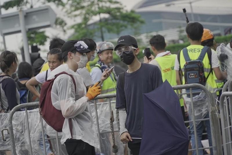 許多香港年輕人參與反送中。(陳文彬提供)