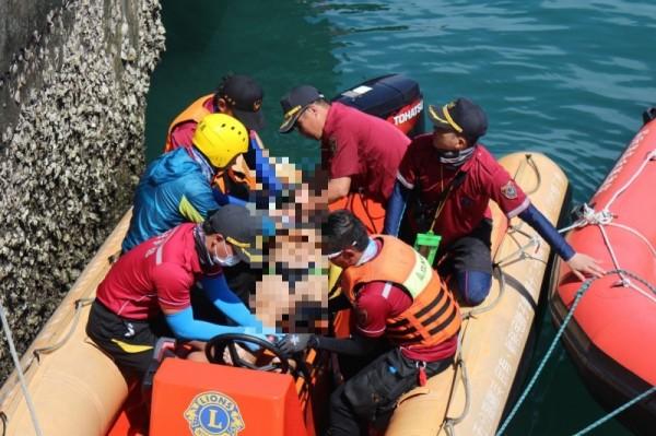 泳渡澎湖灣風浪過大首傳憾事 76歲泳客溺斃