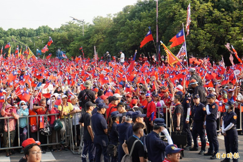 高雄市長韓國瑜雲林斗六造勢,參與民眾號稱破12萬人。(記者詹士弘攝)