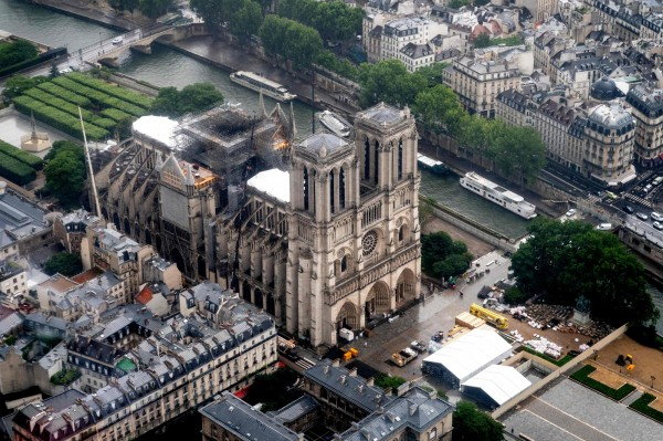 曾說要捐300億 聖母院:法國富豪捐款 1毛錢都還沒收到