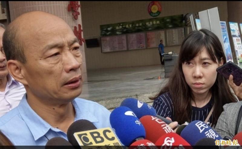 防疫動員大會韓國瑜前後停留約19分鐘,市議員康裕成批韓咻一下就走。(記者方志賢攝)