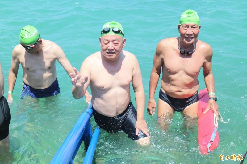 泳渡澎湖灣意外後縣長神隱 原來趕往中國參加海峽論壇