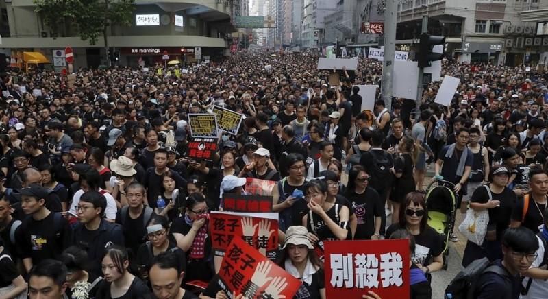 香港今再次舉辦反送中大遊行,王丹認為這是不信任中共的最佳證明。(美聯社)