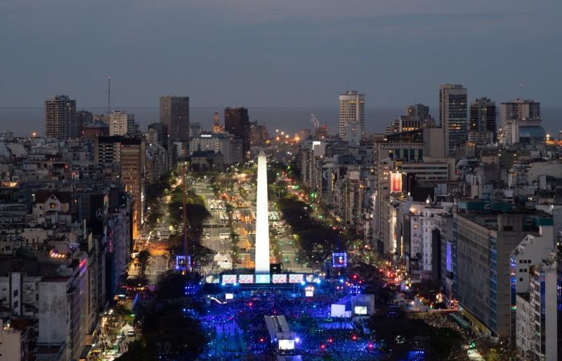 據阿根廷一家大型電力供應商稱,因發生大規模設備故障,導致阿根廷和烏拉圭全境大停電。圖為阿根廷首都布宜諾斯艾利斯一景,與本新聞無關。(歐新社)
