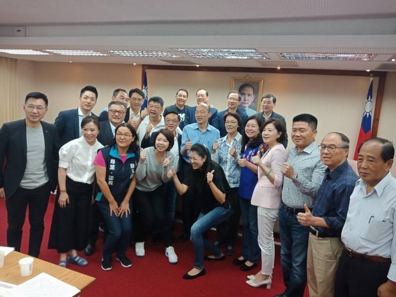 高雄市長韓國瑜拜會立法院國民黨團。(立法院國民黨團提供)