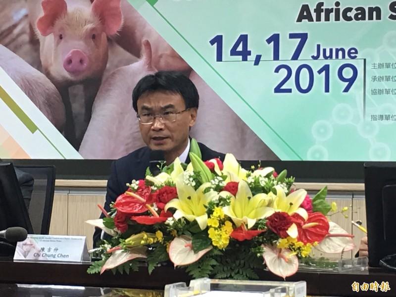 農委會主委陳吉仲表示,禁用巴拉刈是為了消費者的食安、農民的健康著想。(記者林惠琴攝)