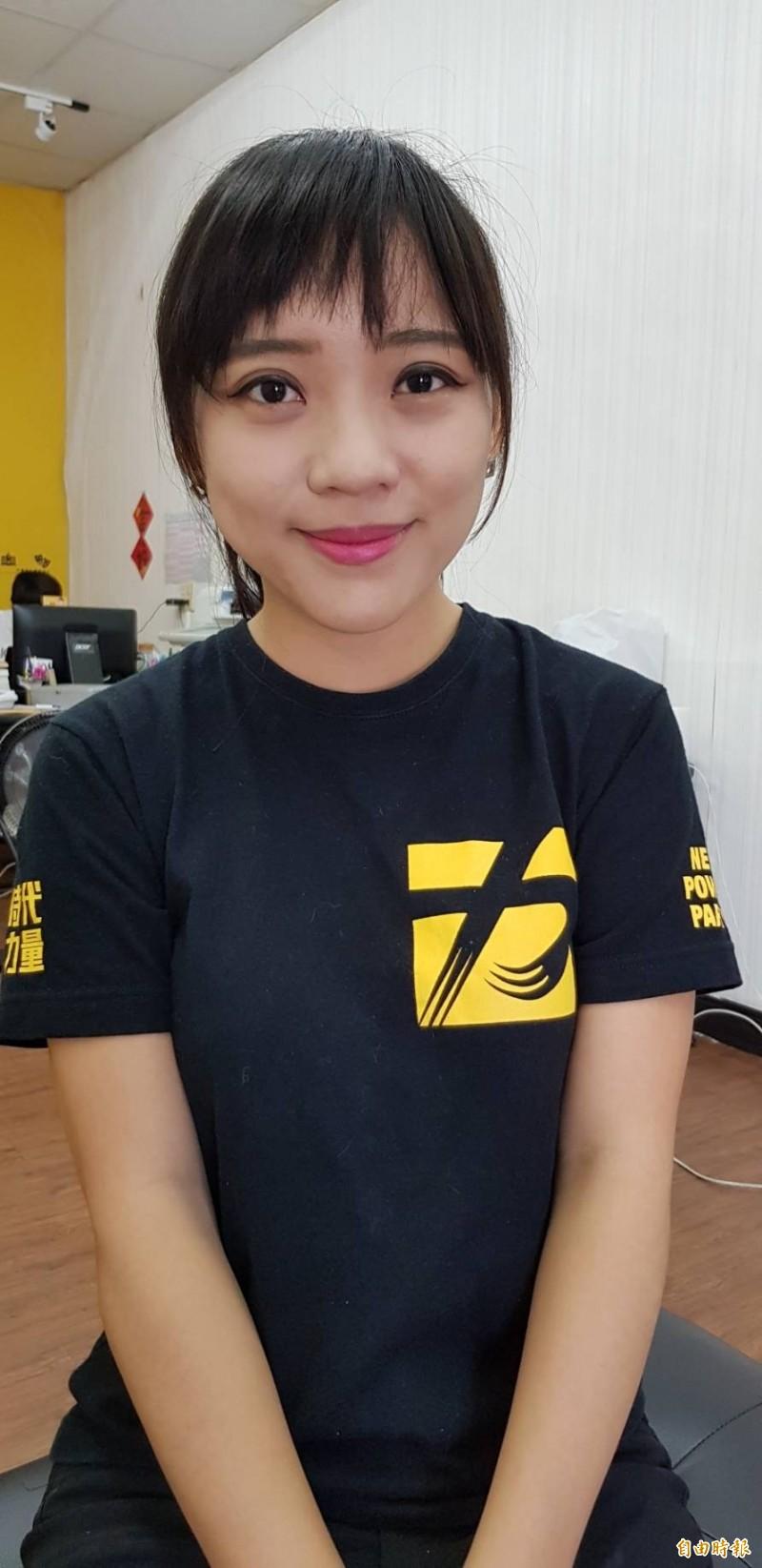 「白眼女神」黃捷批香港特首牽拖司法互助是很無賴的說法,更呼籲韓國瑜聲援香港就是挺台灣民主自由。(記者陳文嬋攝)