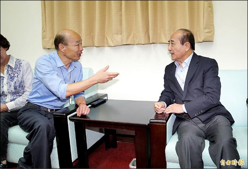 高雄市長韓國瑜昨突襲立法院拜會前立法院長王金平,「王韓會」不到10分鐘,韓就被王打發。(記者叢昌瑾攝)