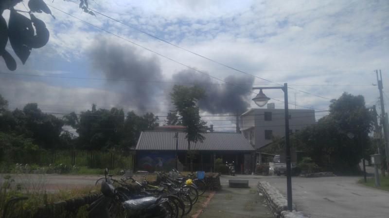 台日古河銅箔公司發生火災。(記者詹士弘翻攝)