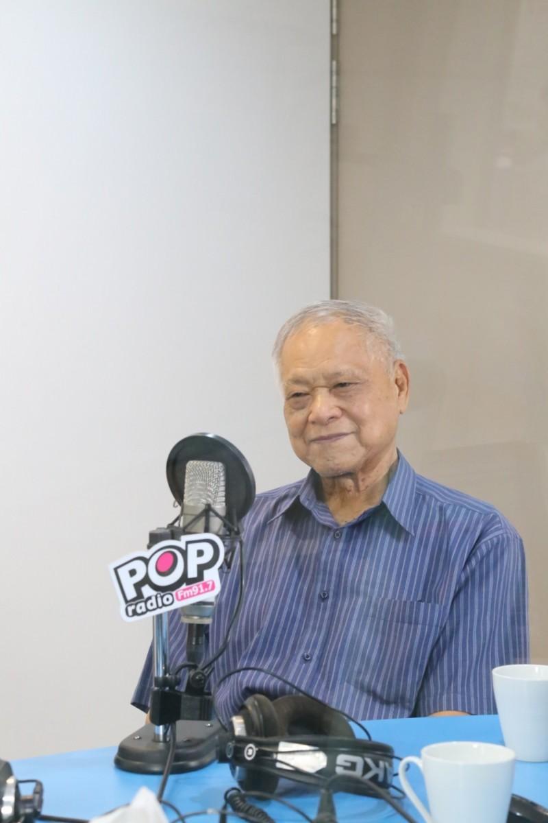 台北市長柯文哲父親柯承發接受電台專訪。(POP搶先爆提供)