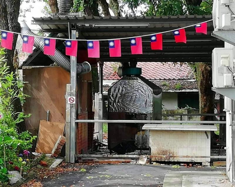 中興新村某臭豆腐店因房東解約,店家已搬走。(民眾提供)