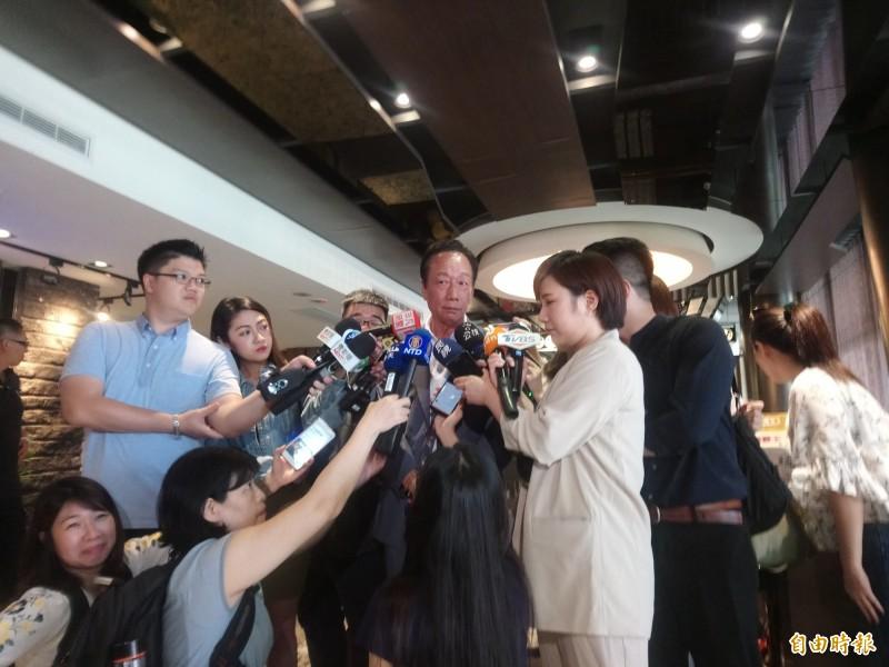 鴻海集團董事長郭台銘受訪時力挺韓國瑜,還批「蘇院長變了」。(記者謝武雄攝)