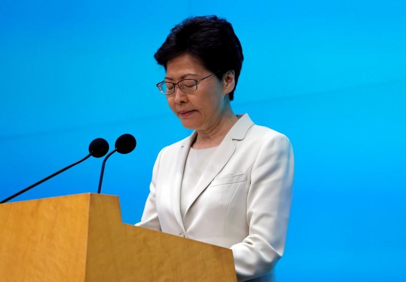 林鄭月娥在記者會上公開向全港市民致歉,對於「民間人權陣線」提出的5點訴求,均未有回應。(路透)