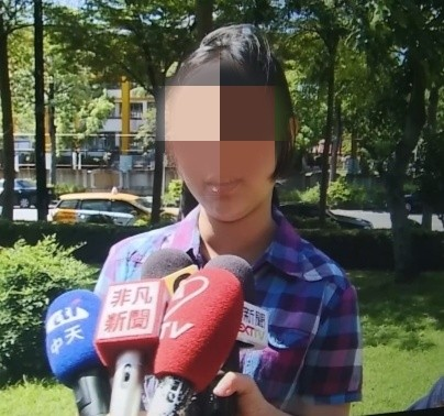 女學生認為韓國瑜還沒有兌現「高雄發大財」的承諾。(記者洪定宏翻攝)