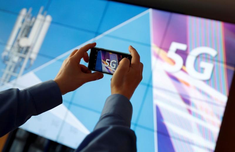 國家通訊傳播委員會(NCC)今日審議通過「行動寬頻業務管理規則」修正草案,並縮短預告期,加速5G釋照作業。(路透)