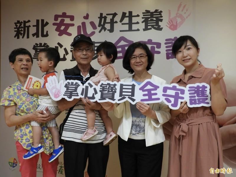 新北市政府推出「掌心寶貝全守護」計畫,全市出生體重低於1500公克的早產兒,將納入全方位醫療關懷網絡,提供從出生至滿2歲的個別化照顧與追蹤管理。(記者賴筱桐攝)