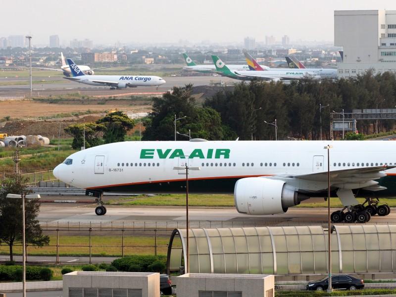 長榮航空今日下午4點至晚間12點止,共有43航班將從台灣起飛出發,這些航班都可能受到罷工影響。(歐新社資料照)