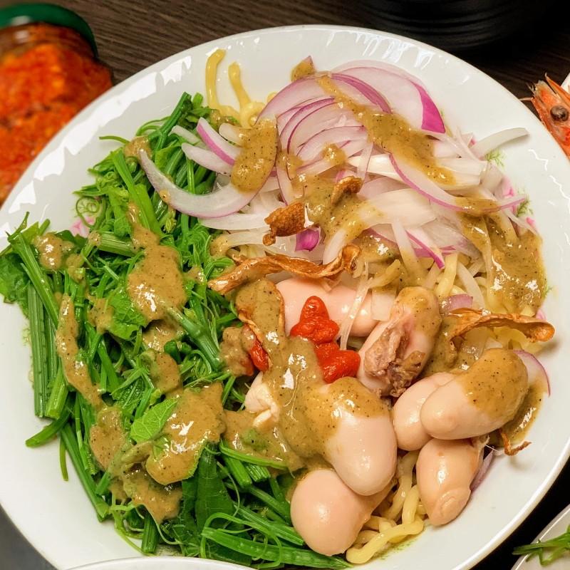 「台南吃貨。愛吃輝」在自己的部落格分享自己發現的超狂美食:雞佛涼麵。(圖片由「台南吃貨。愛吃輝」提供)