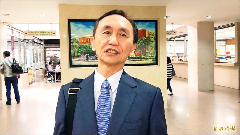 美麗島電子報董事長吳子嘉,昨天二度被北檢傳喚到庭。(記者錢利忠攝)