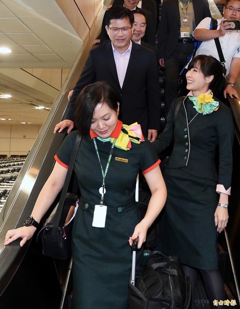 長榮空服罷工》林佳龍返台呼籲:長榮勞資雙方儘速回到談判桌解決爭議