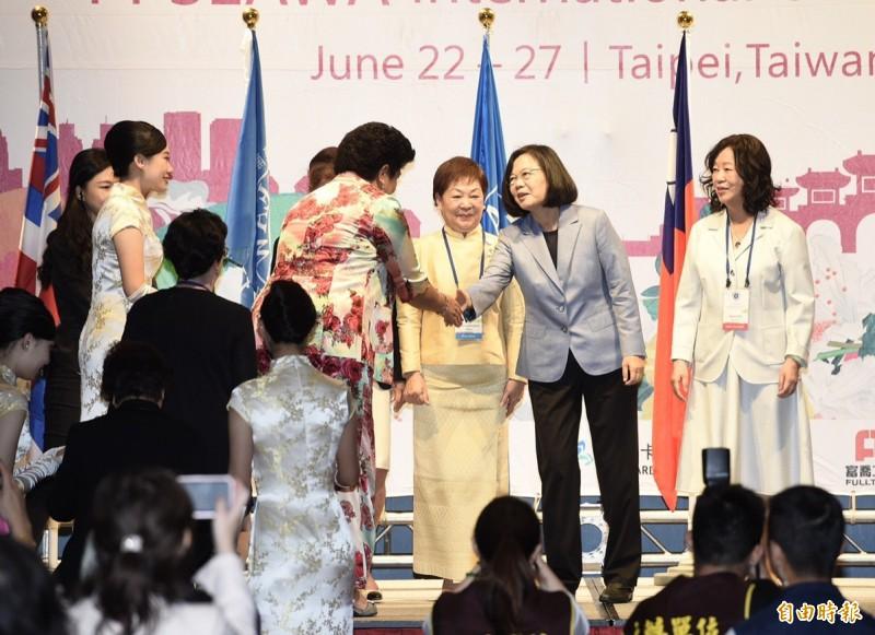 蔡總統今出席「泛太平洋暨東南亞婦女協會(PPSEAWA)第27屆國際年會開幕典禮」。(記者羅沛德攝)