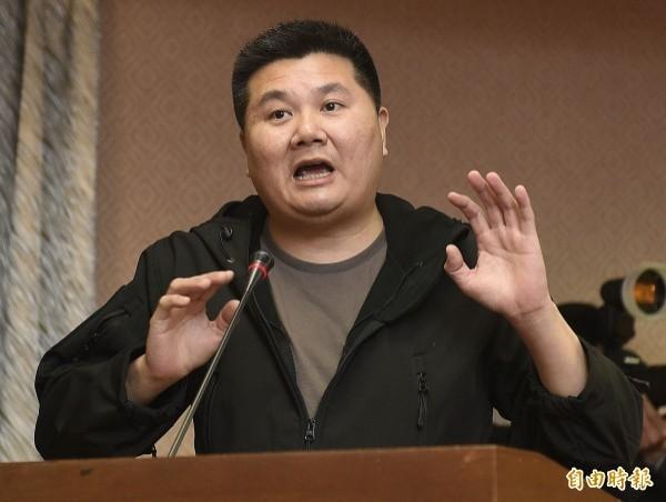 導演李惠仁認為,對抗中國壓迫,不能像柯文哲說的「不用理他就好」。(資料照)