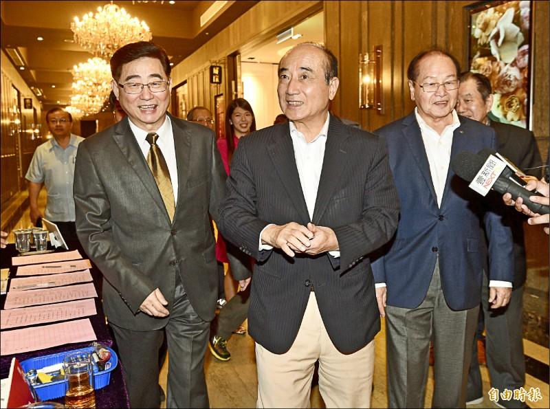 前立法院長王金平昨出席台北市台南市同鄉會理監事會晚宴,對於高雄市長韓國瑜以造勢打初選,王表示希望韓可以勤於市政。(記者羅沛德攝)