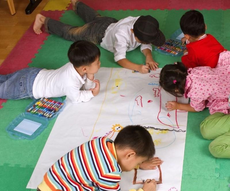 幼兒園費用一向是家長間熱門話題。示意圖,與本新聞無關。(情境照)