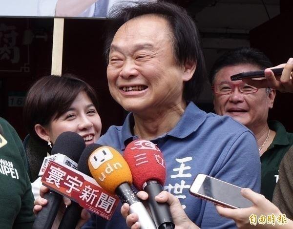 王世堅在政論節目表示,韓國瑜若出線參選2020總統,一定會辭掉高雄市長的位子,願意拿「1千份雞排」作為賭注。(資料照)