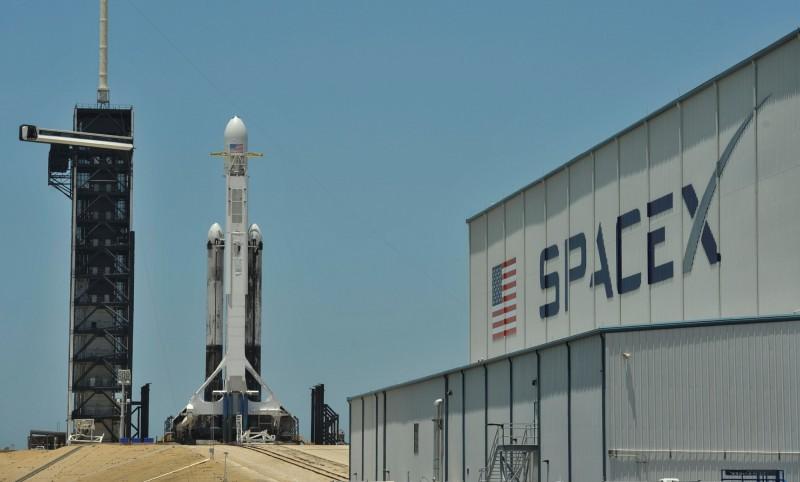火箭在美國甘迺迪太空中心待命。(路透)
