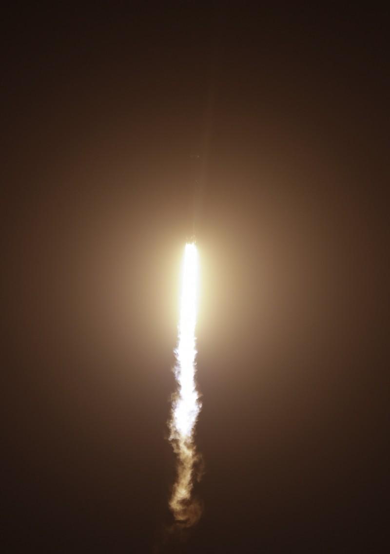這次獵鷹重型火箭一共搭載25顆衛星升空。(美聯社)