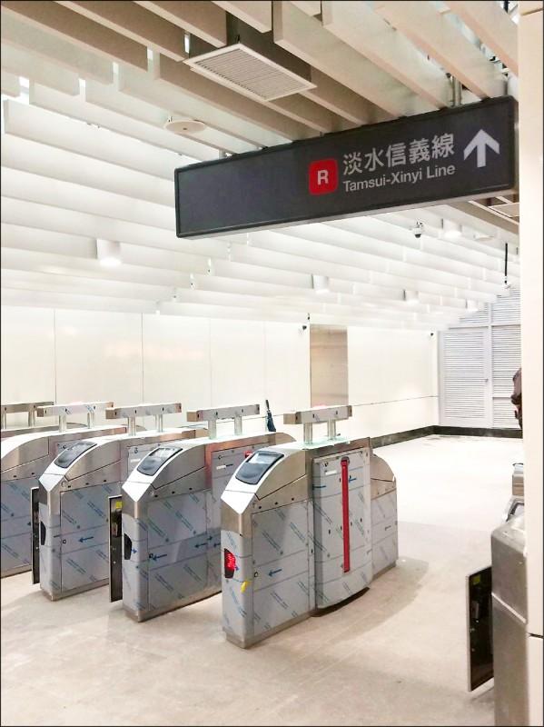淡海輕軌紅樹林站與北捷紅樹林站的行人連通道預計7月1日完工啟用。 (新北捷運公司提供)