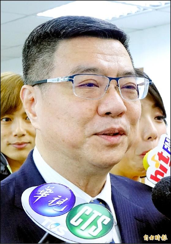 民進黨主席卓榮泰26日主持民進黨中常會,並於會前受訪。(記者朱沛雄攝)