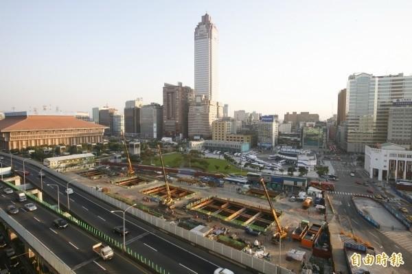 台北雙子星案遭投審會駁回,台北市捷運局呼籲公開說明法令依據。(資料照)