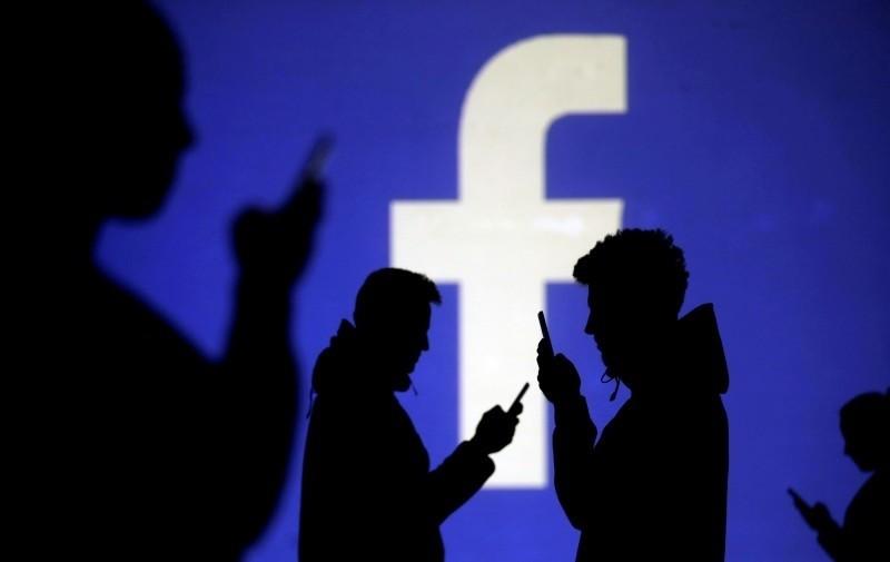 北市衛生局針對社群媒體違規廣告進行查緝,其中臉書平台違規最多。(路透)