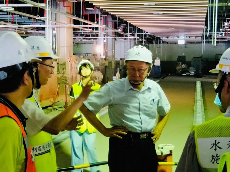 柯文哲現勘環南市場改建工程畫面。(圖:民眾提供)