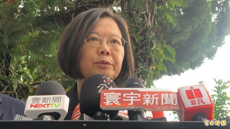 總統蔡英文今受訪談及香港「反送中」示威者攻佔立法會。(記者許倬勛攝)