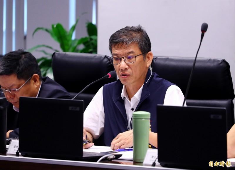 台中市政府環保局長吳志超強調,台中火力發電廠減煤4成後,不會對供電穩定造成衝擊。(記者張菁雅攝)