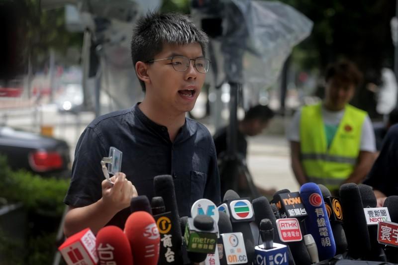 香港眾志祕書長黃之鋒在七一示威隔(2)日受訪。(資料照,法新社)