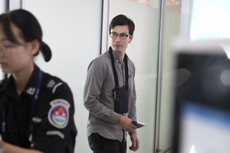 澳洲籍留學生希格立(Alek Sigley)25日傳出遭北韓拘留,現已獲釋並安全離開北韓抵達中國。(美聯社)