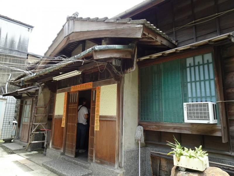 「台南消防之父」住吉秀松位於青年路的日式老宅,現貌仍保留完整。(李文雄提供)