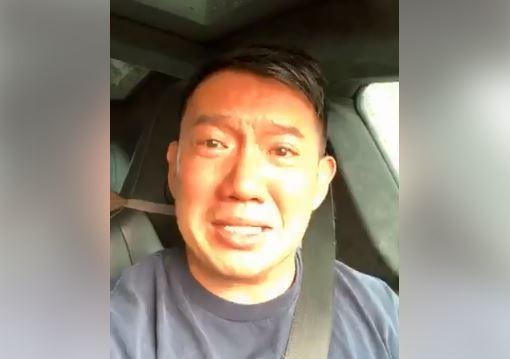 港星杜汶澤看到消息後,立刻開車直奔廖男住所,期間還開直播,聲淚俱下地喊話:「那麼多香港人都沒放棄,你也不可以隨便放棄」!(擷取自杜汶澤臉書直播)