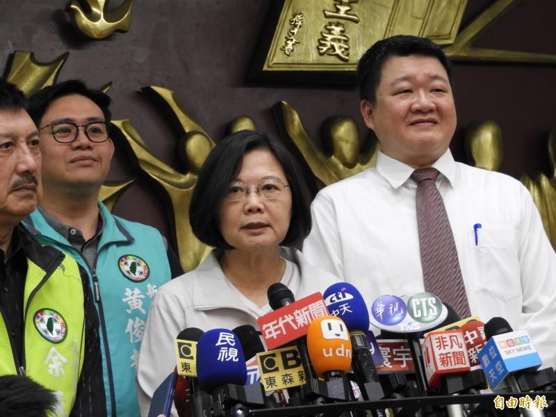 對於高雄市長韓國瑜提倡徵兵、募兵制並行,蔡英文總統批評,韓國瑜對於整體國軍兵源理解不足。(記者賴筱桐攝)